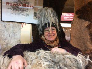 ruwe wol en prachtvachten op de markt.